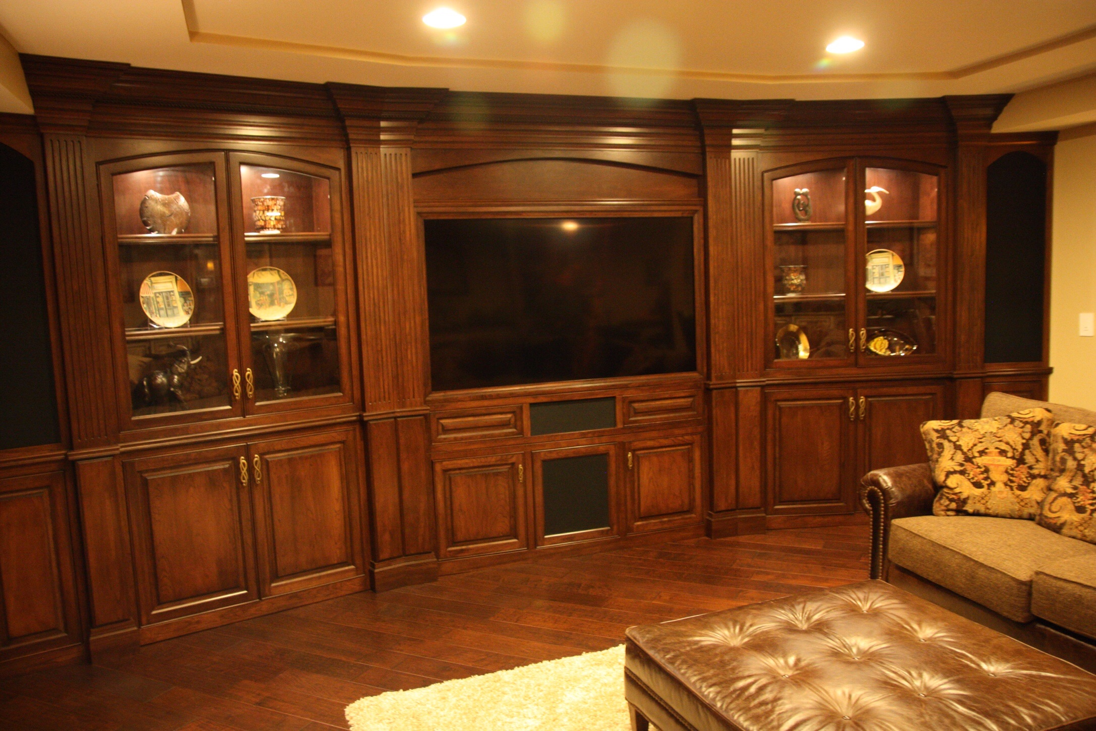 Pinetree furniture makers profile for Kitchen cabinets 60007