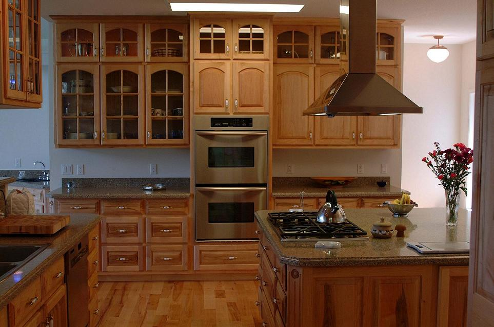 Maple kitchen cabinets on Maple Cabinets  id=91887
