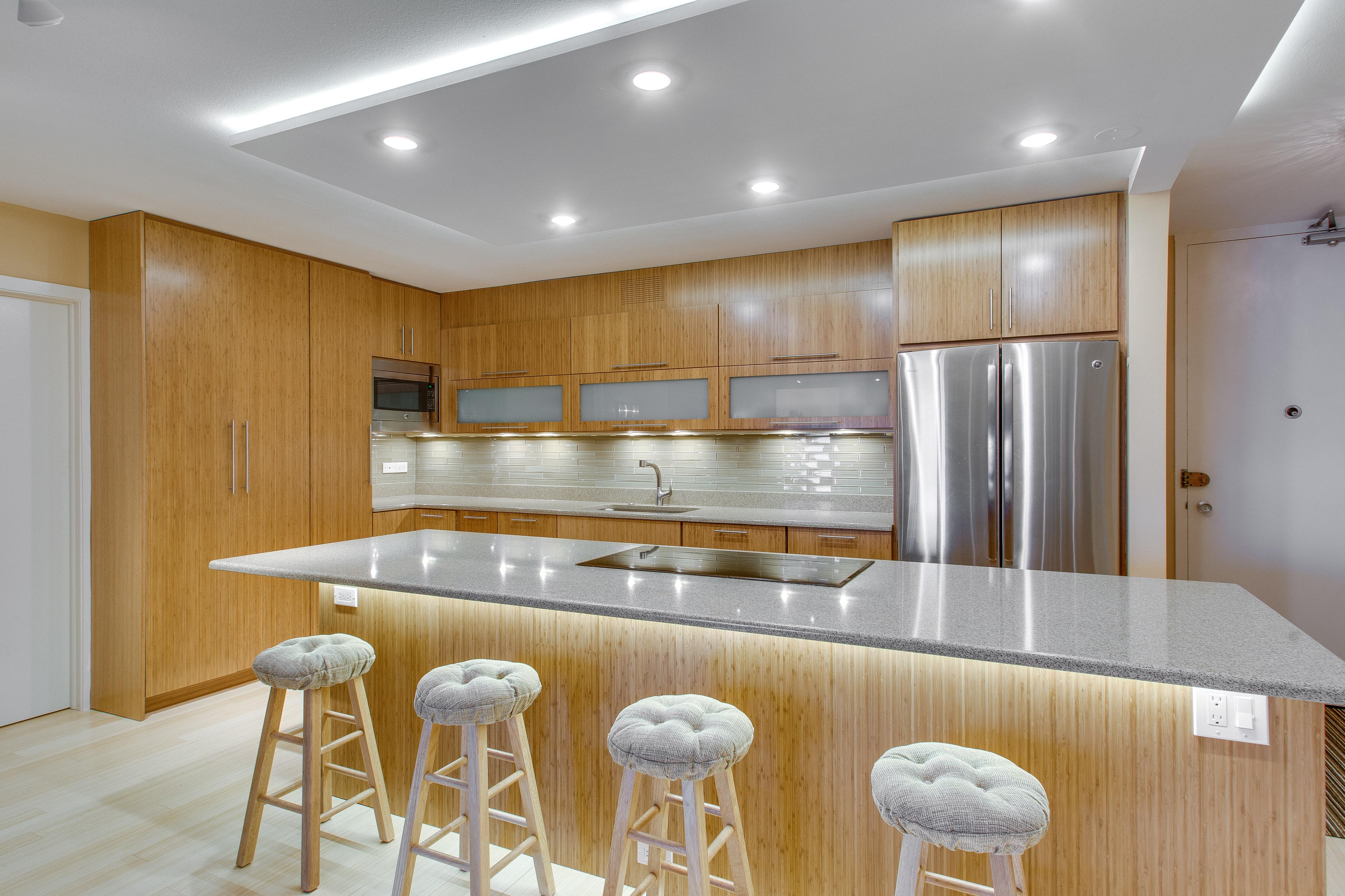 900 Lake Shore Drive Kitchen